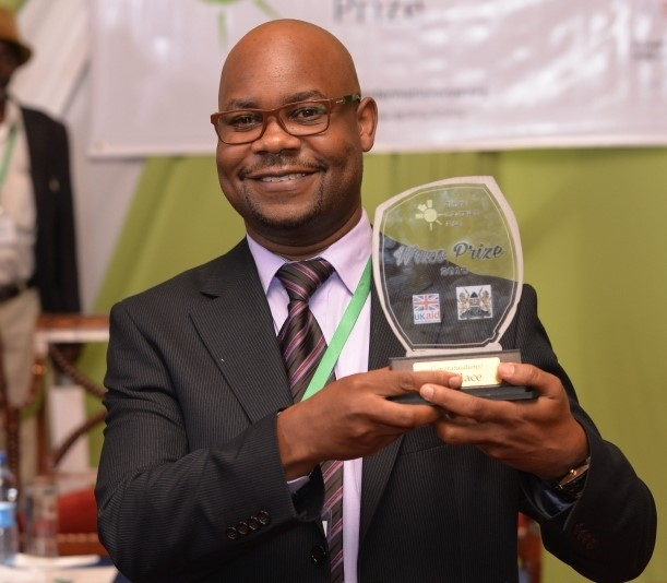 In April 2016, first place Wazo Prize winner Sam Owilly received his Kenyan shilling 1.5 million (GBP 10,900) cash prize at the Climate Information Prize Conference in Nairobi for developing Pawa Farm, an innovative virtual agro-weather advisory platform.