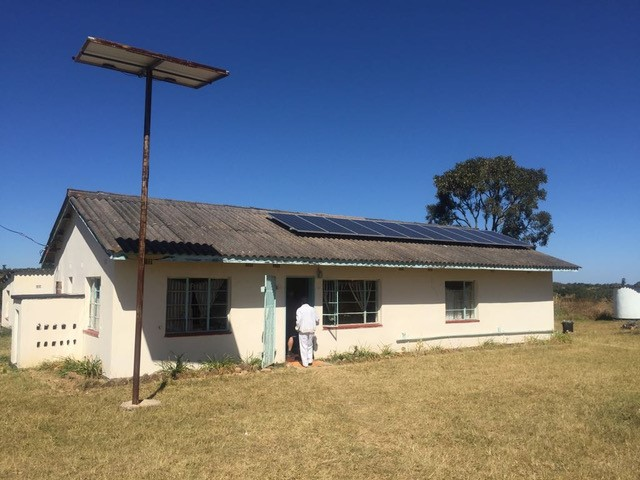 Cutting-edge solar panels in a clinic in rural Zimbabwe. This is one of the frontier technologies we are piloting within the DFID-funded Frontier Technology Livestreaming project to solve the development challenge of clean and reliable energy.